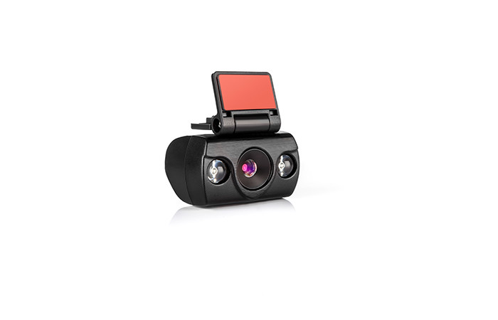 04-lamax-drive-c5-8594175350302-back-camera